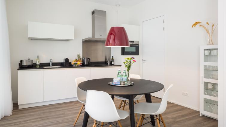 Dining table at Gershwin Serviced Apartments, Amsterdam