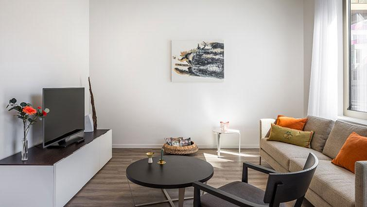 TV area at Gershwin Serviced Apartments, Amsterdam