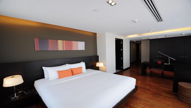 Double beds at Fraser Suites Sukhumvit Bangkok