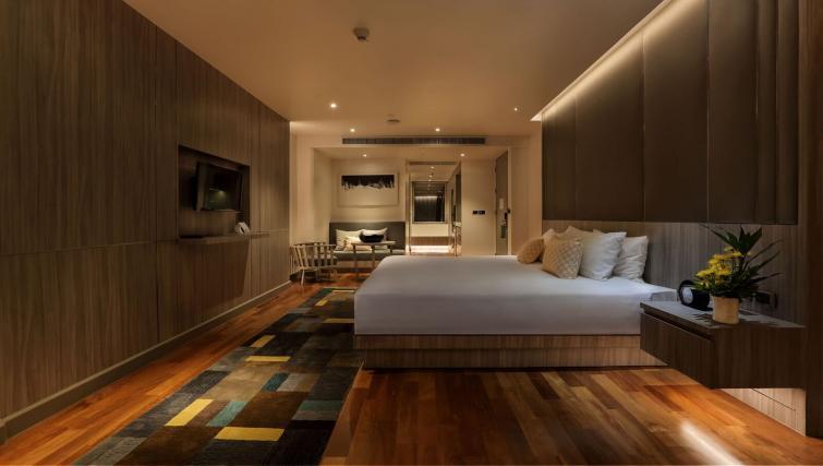 Double bed at Fraser Suites Sukhumvit Bangkok