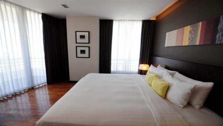 King bed at Fraser Suites Sukhumvit Bangkok