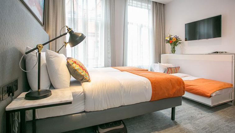 Bed at Grafton House Apartments