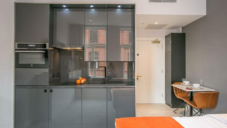 Kitchena t Grafton House Apartments