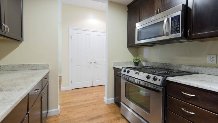 Oven at Nch Garrison Square Apartment