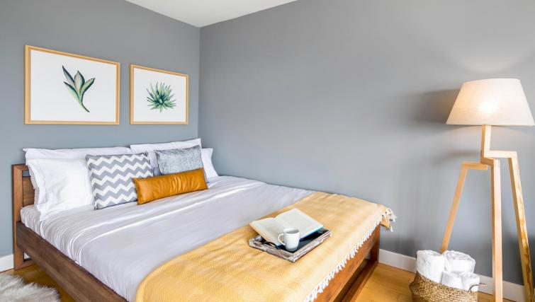 Cosy bedroom at 899 Pine Street Serviced Apartments