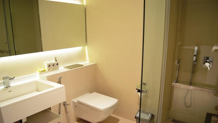 WC at West Avenue Tower Apartments
