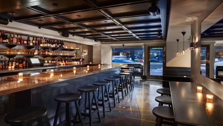 Bar at AKA Rittenhouse Square