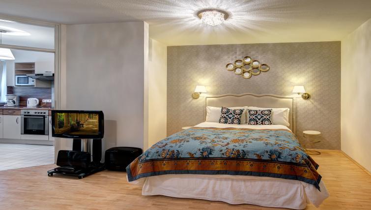 Large double bedroom in Viktorias Apartment