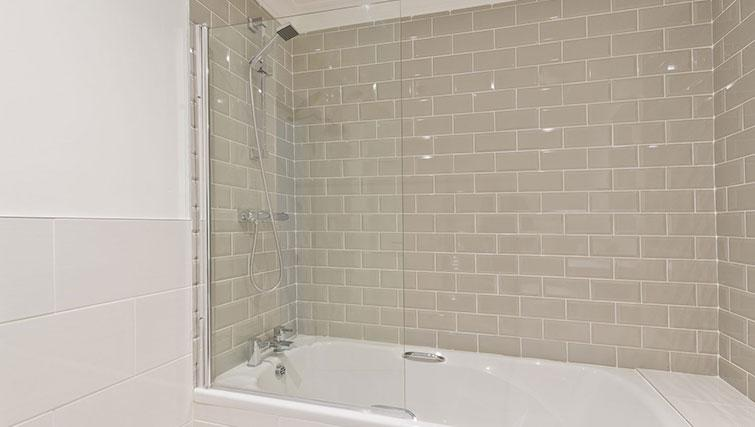Bath at Suesey Place Apartments