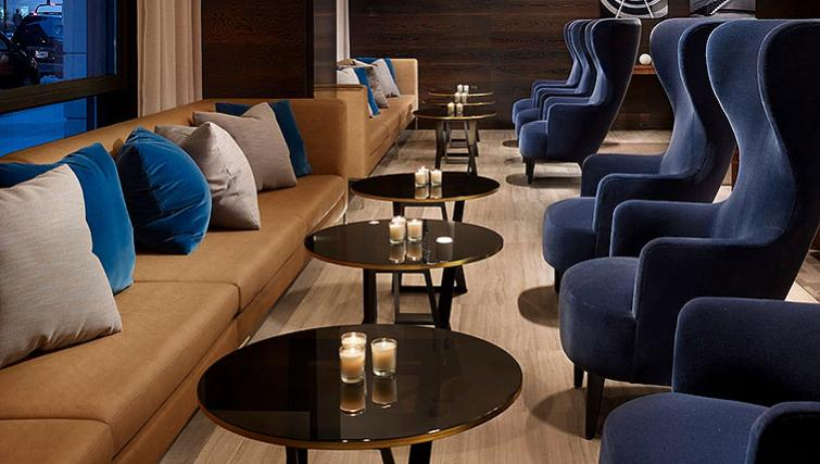 Resident lounge in AKA White House