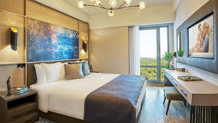 Queen size bed at Somerset Maslak Istanbul Apartments