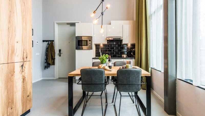 Kitchen facilities at Eastern Docklands Apartments, Amsterdam