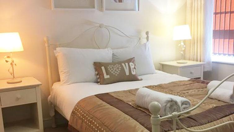 Double bed at Wallis Square Serviced Apartments
