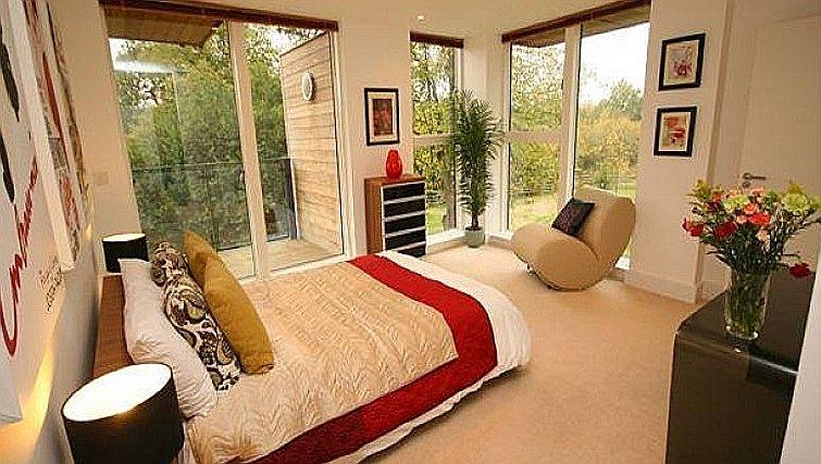 Stunning bedroom at Accordia Apartments (Kingfisher Way)