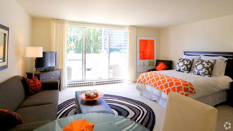 Spacious bedroom at The Gateway Vista West Apartments