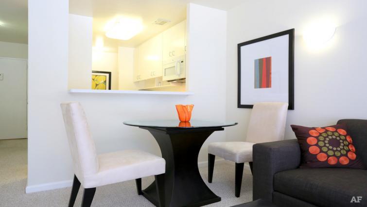 Table at The Gateway Vista North Apartment