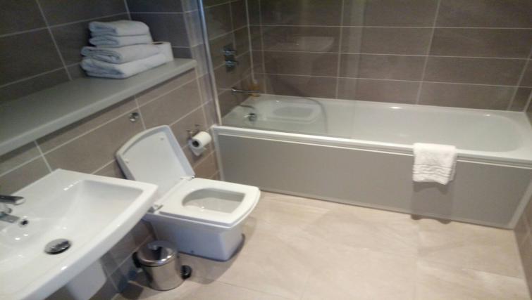 Bathroom at Quay Apartments @ Michigan