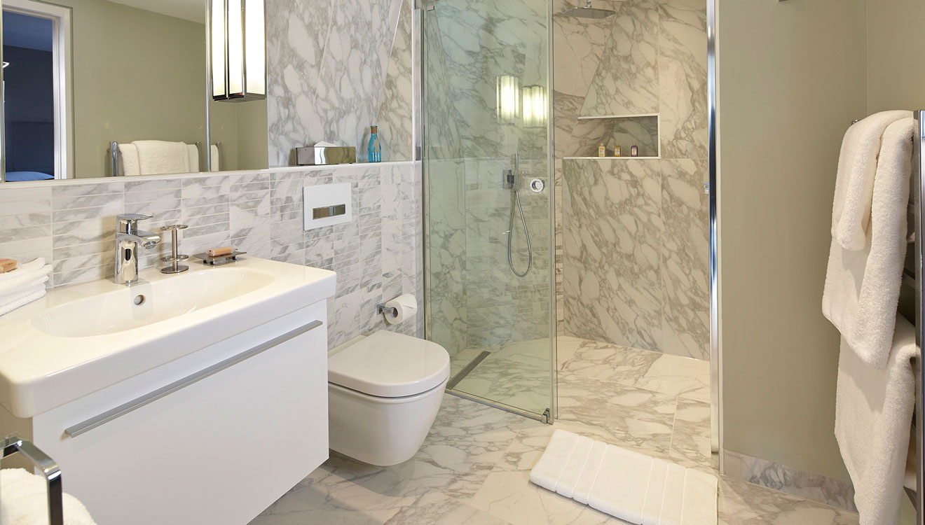 Shower at 126 Cheval Brompton Road Apartments