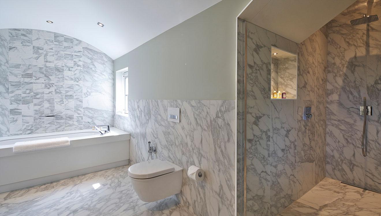 WC at 126 Cheval Brompton Road Apartments
