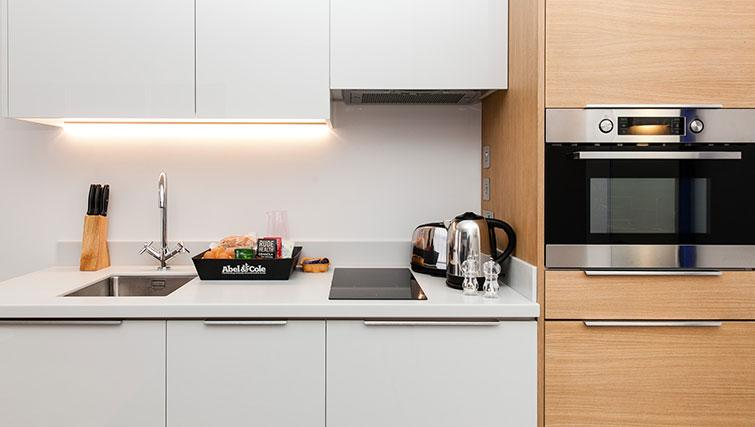 Modern kitchen at Rockwell East Apartments
