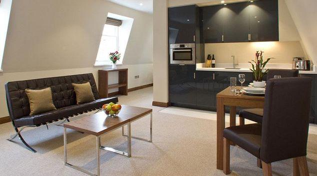 Living room at Blueprint Suffolk Lane Apartments
