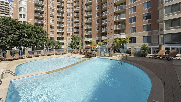Pool at Avalon Ballston Place