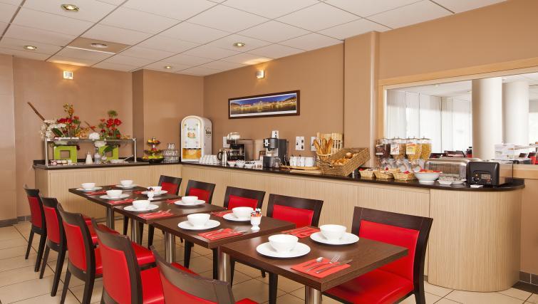 Communal restaurant at Residhome Occitania