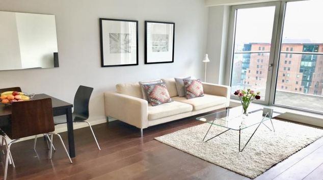 Living area at Cloud Canary Wharf Apartments