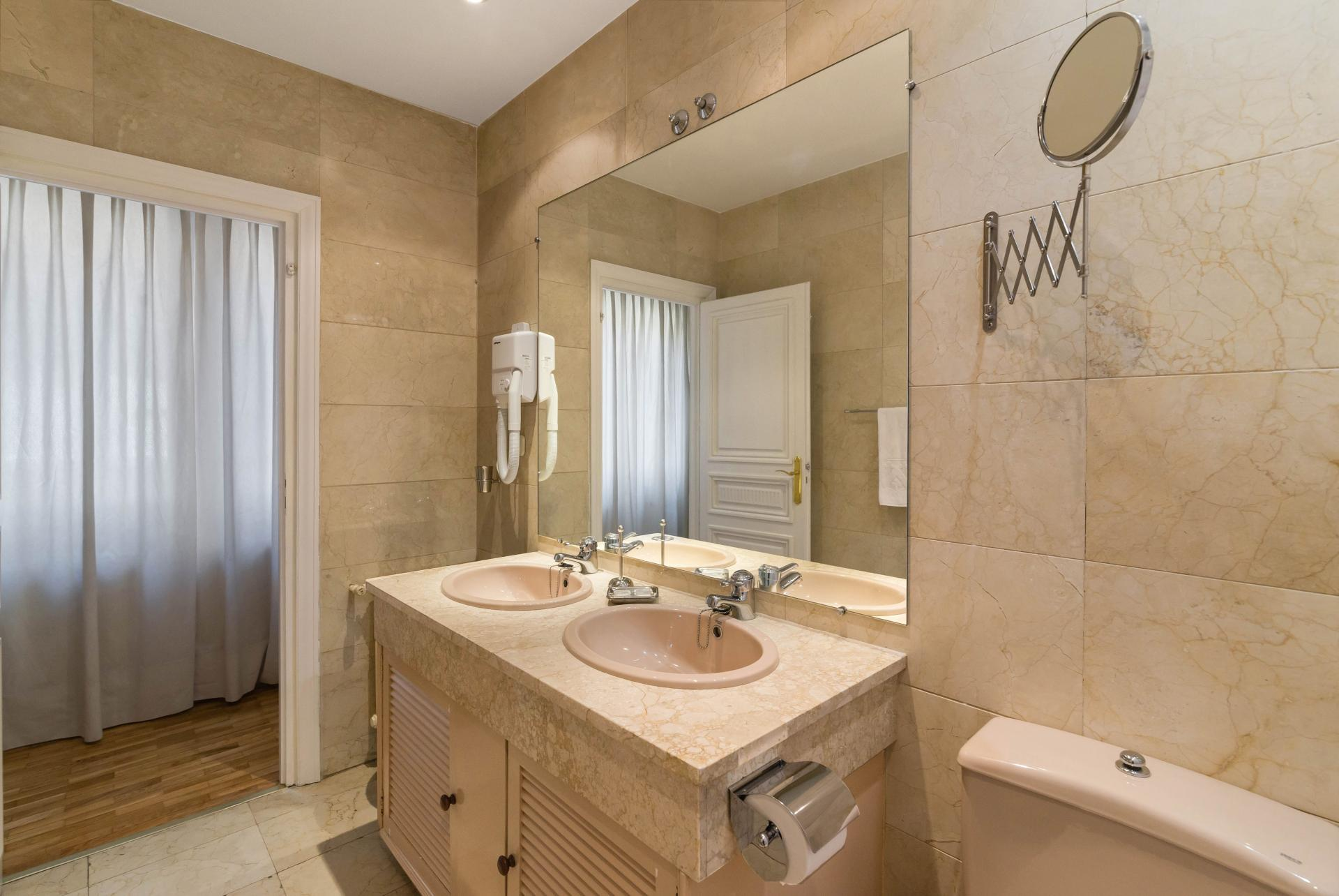 Modern bathroom at Ayala Apartments, Salamanca, Madrid