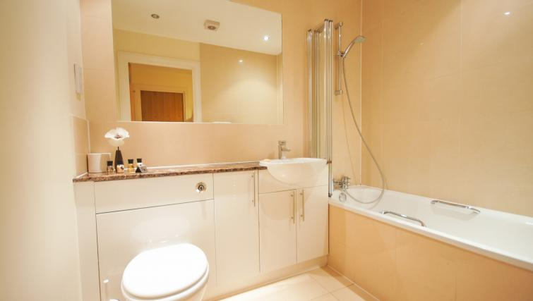 Bath at Crompton Court Apartments