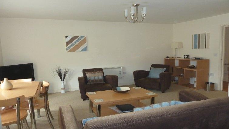 Bright spacious living area at Banbury