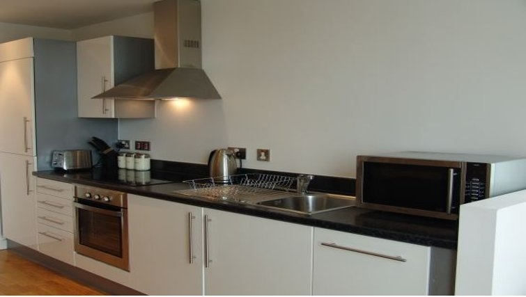 Chic kitchen in the Quay Serviced Apartments