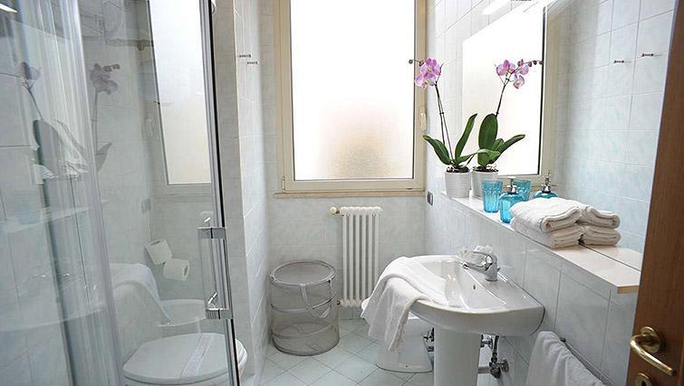 Bathroom at Lux Appartamenti Rome