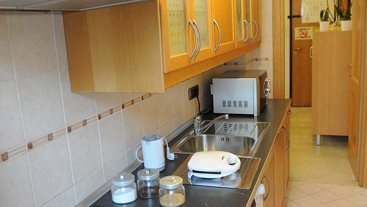 Kitchen facilities at Lux Appartamenti Rome