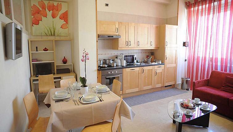 Kitchen/diner at Lux Appartamenti Rome