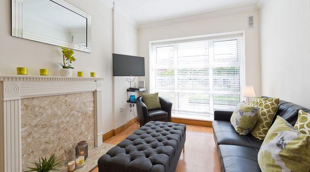 Living room at Charlotte Quay II Apartments