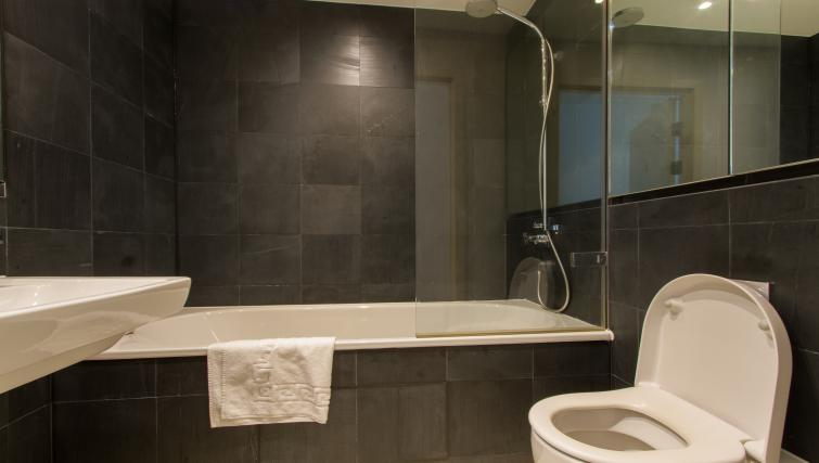 Bath at Canalside Living Apartments