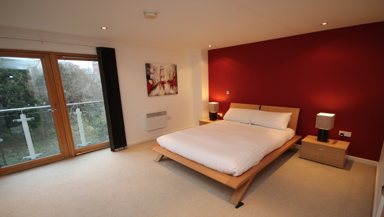 Spacious bedroom in Manor Chare Apartments
