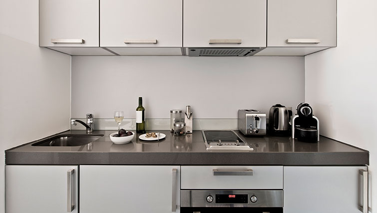 Modern kitchen at Templeton Place Aparthotel