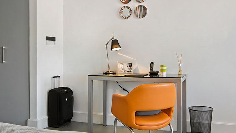 Desk at Templeton Place Aparthotel