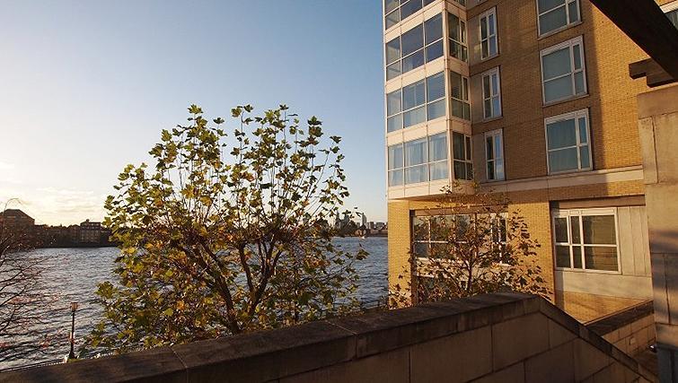 Amazing exterior to Belgrave Court Apartments