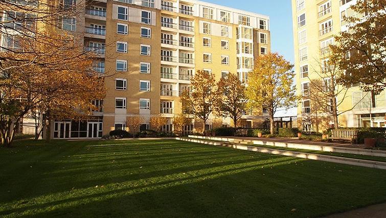 Exterior of Belgrave Court Apartments