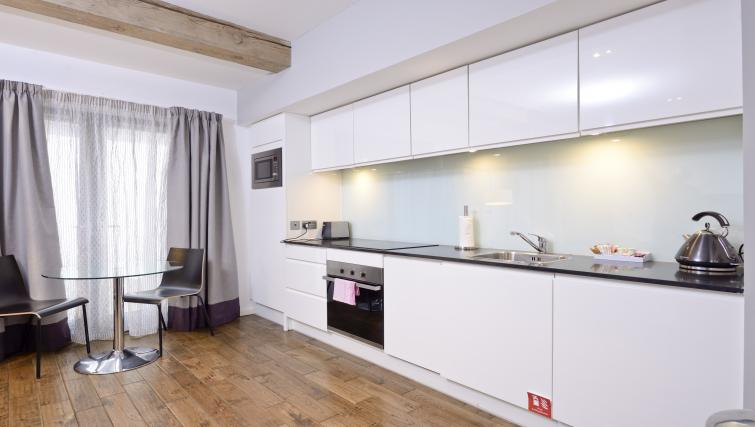 Kitchen facilities at Malt House Apartments