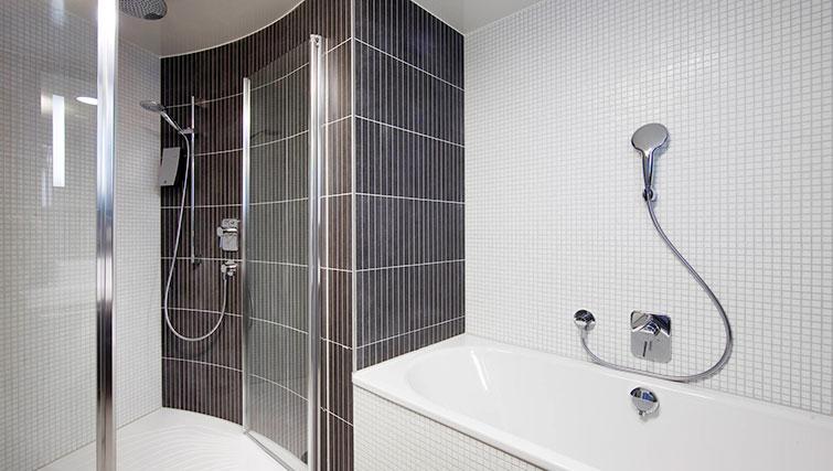 Bathroom at JF Kennedy Quarter Suites