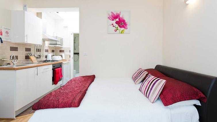 Exceptional bedroom in Heathrow Apartments