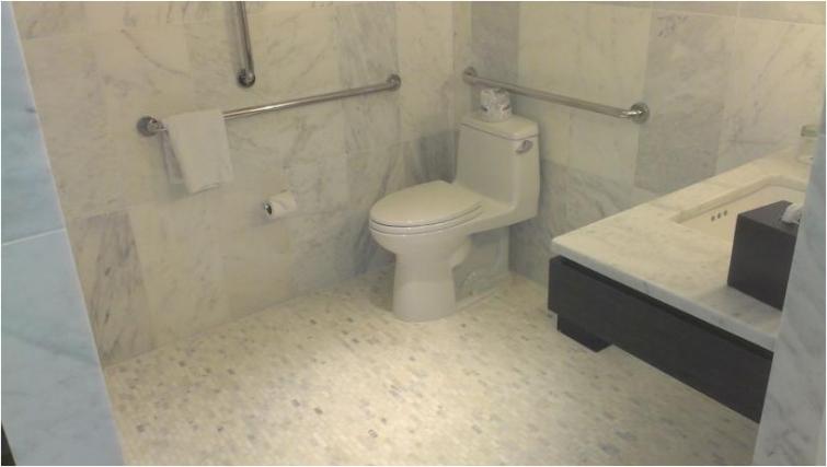 Ideal bathroom in Avenue Suites Georgetown