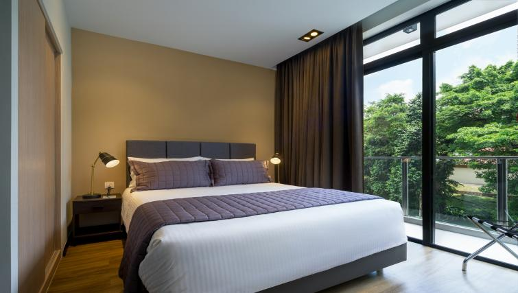 Bedroom at Ariva On Shan Serviced Residences, Singapore