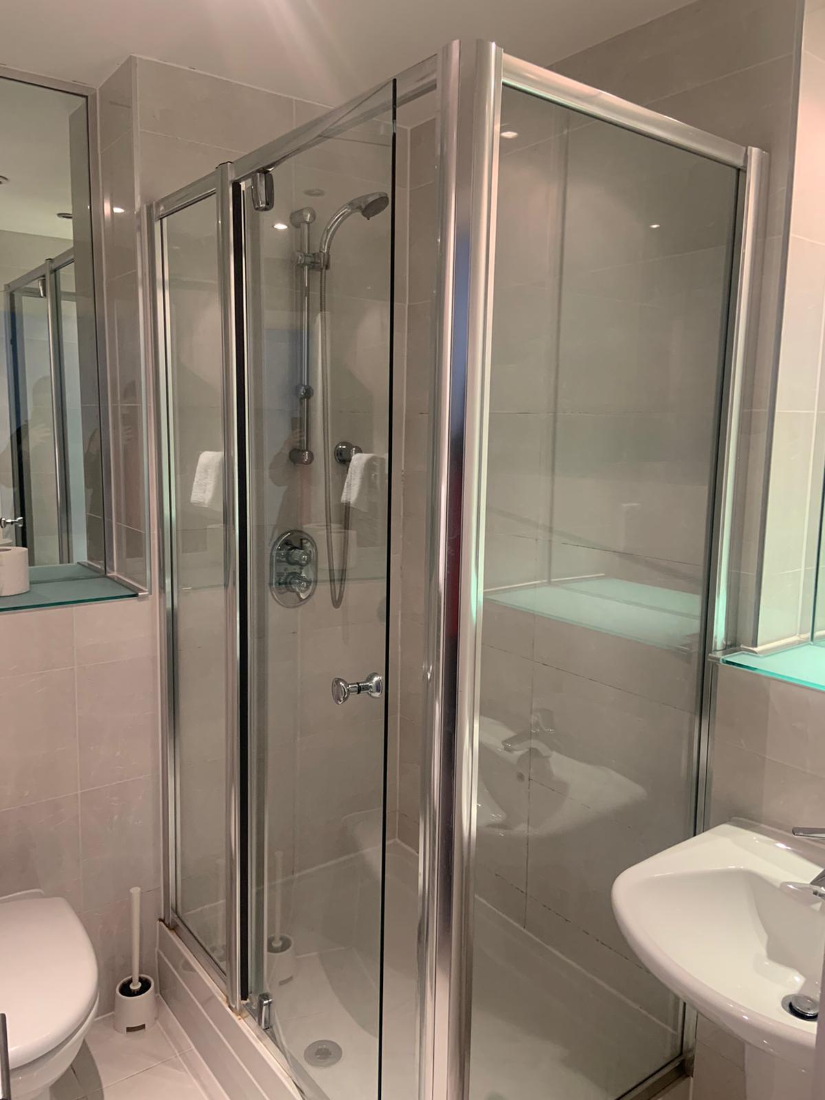 Bathroom at Ocean Village Serviced Apartments, Ocean Village, Southampton