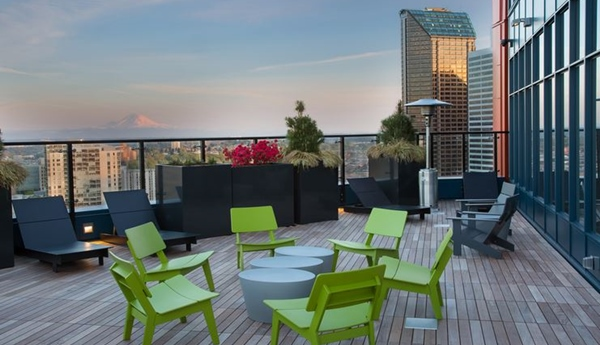 Roof top deck at Cielo Apartments