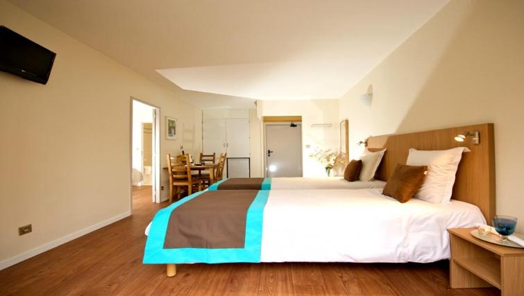 Contemporary bedroom in Staycity  Paris Gare de L'Est